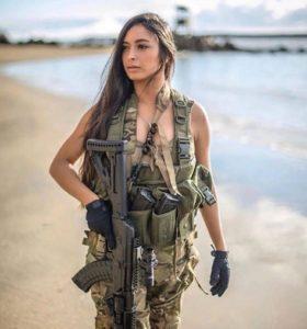 Девушки Израиля или красота с оружием