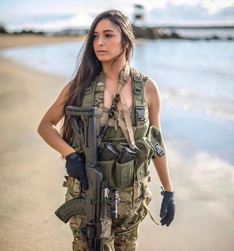 Read more about the article Девушки Израиля или красота с оружием