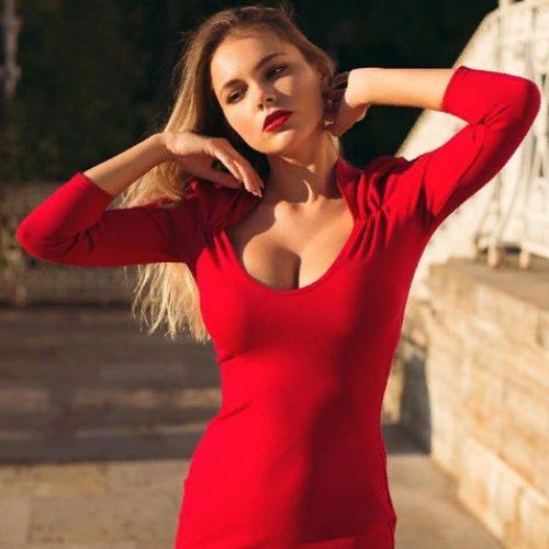 Модель Октябрина Максимова и её яркий реванш