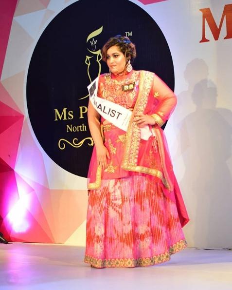 Модель плюс сайз Akanksha Dhamija. Конкурс красоты в Индии для полных девушек.