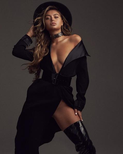 Фото модели Софии Джамора