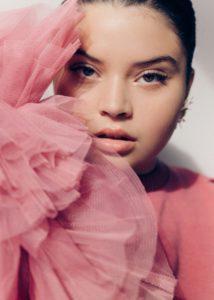 Красота полных женщин: «вишневый плюс сайз»