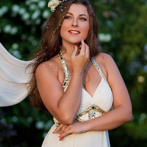 Актриса и модель Мария Кунах: театральный стиль в моде