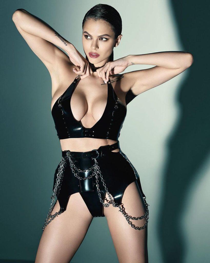 Модель Вики Одинцова. Самые красивые девушки Maxim