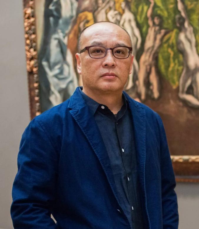 китайский художник Чжан Сяоган. Фото