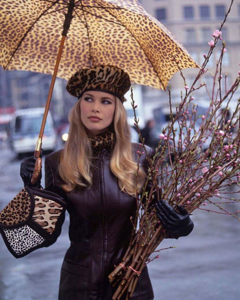 Модель Клаудия Шиффер в 1990-х годах.
