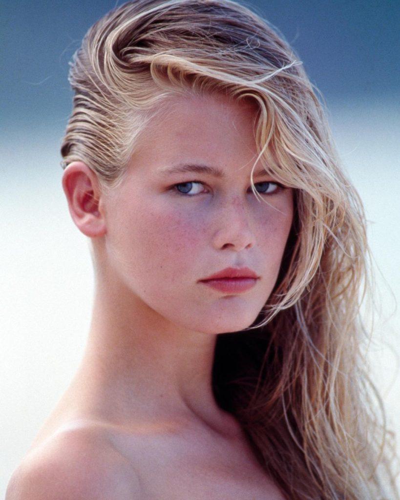 модель Клаудия Шиффер в молодости.
