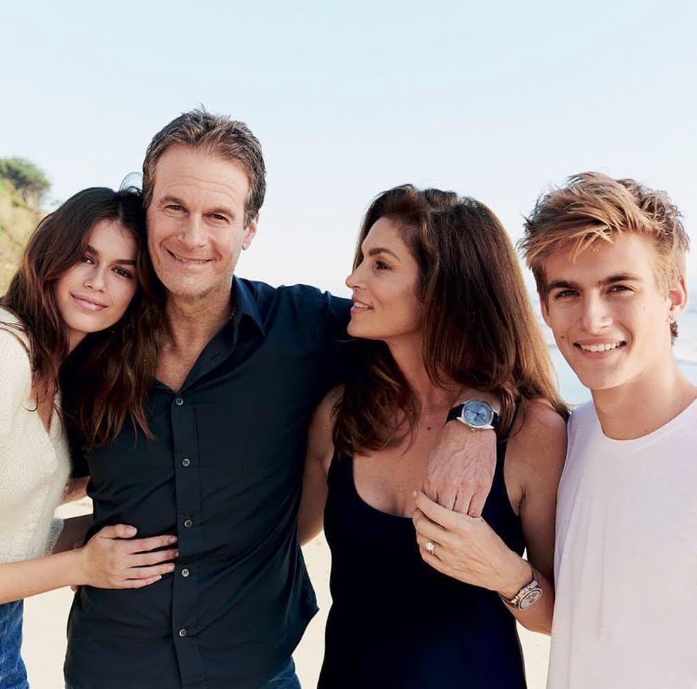 Модель Синди Кроуфорд и ее семья, муж и дети.