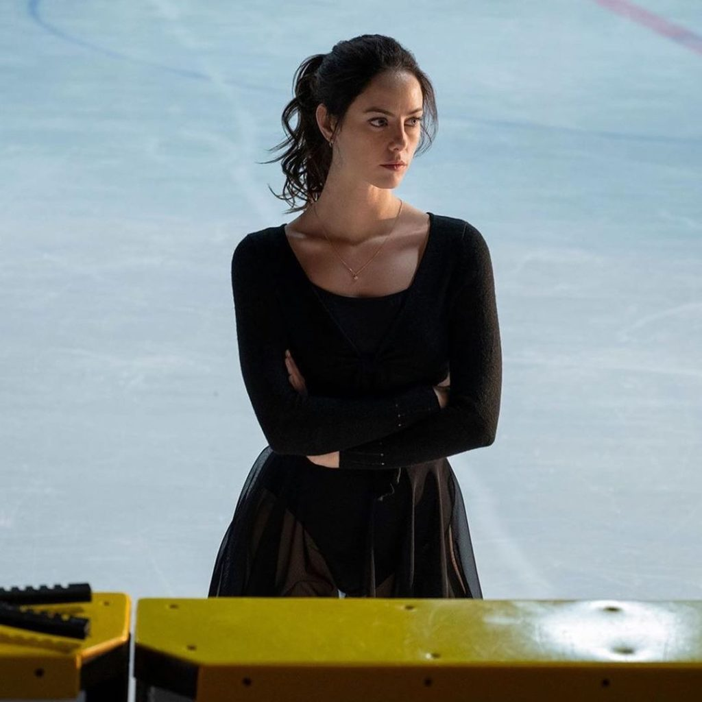 Актриса Кая Скоделарио в сериале Раскручивание.