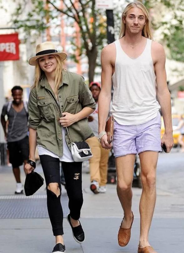 актриса Хлоя Грейс Морец с самым высоким братом Тревором.