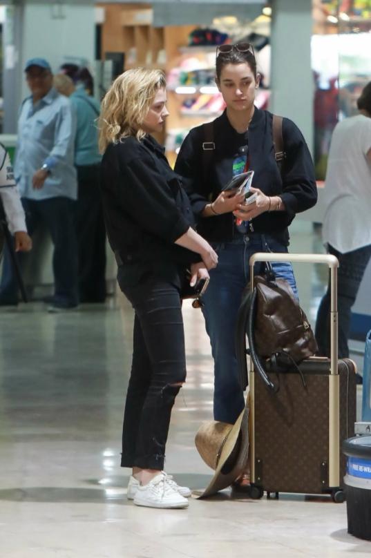 актриса Хлоя Грейс Морец и ее девушка Кейт Харрисон.