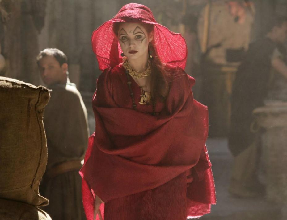 Шотландская киноактриса Карен Гиллан в роли предсказательницы в сериале Доктор Кто. Первая роль.