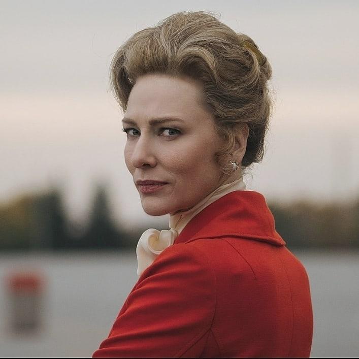 Актриса Кейт Бланшетт оглядывается назад.