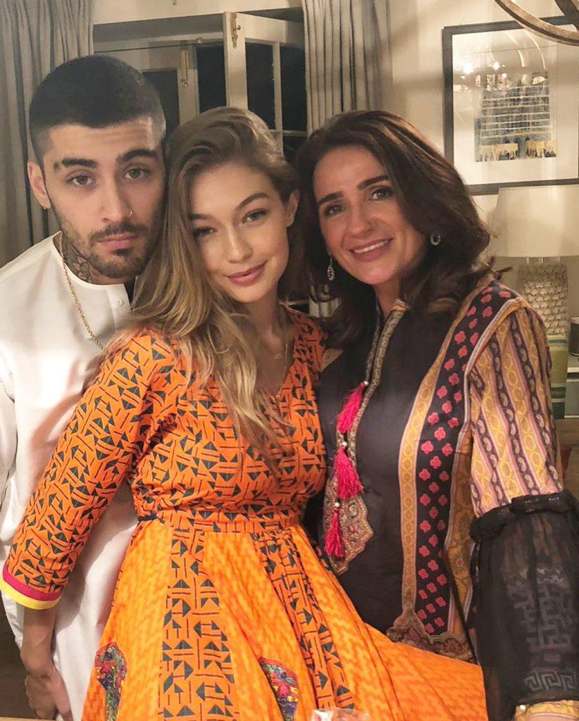 Супермодель Джиджи Хадид и ее парень Зейн Малик вместе с мамой ее парня.