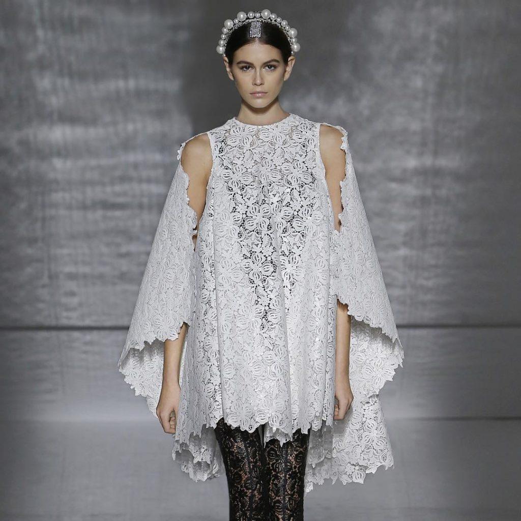 Модель Кайя Гербер. Высокая мода в Париже.