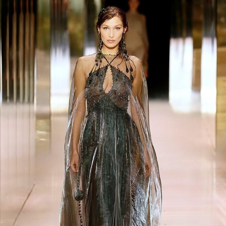 Модель Белла Хадид. Высокая мода в Париже.