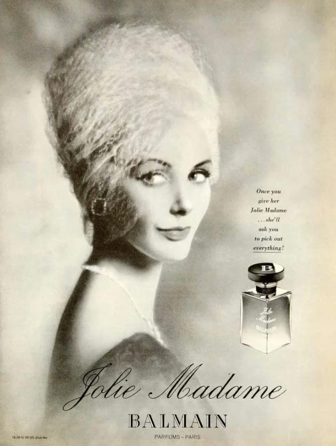 Модель с духами Жуль Мадам
