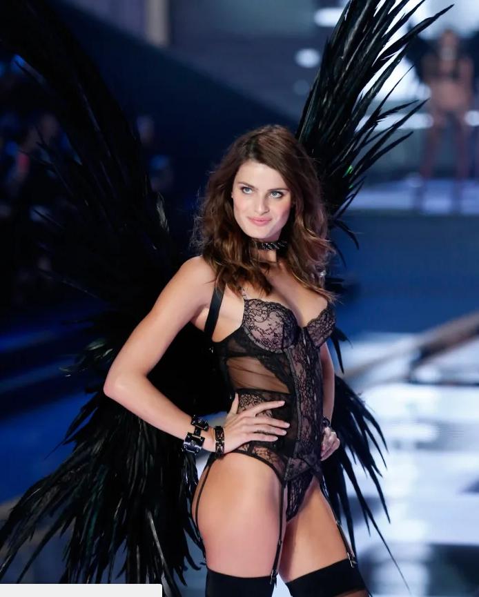 Read more about the article Бразильская супермодель Изабели Фонтана