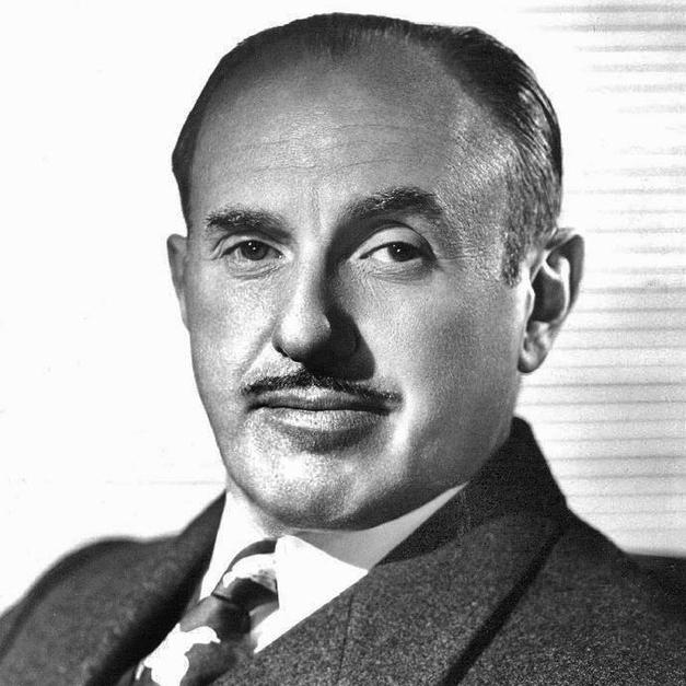 Модельер, дизайнер и кутюрье Пьер Бальмен